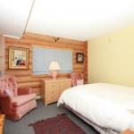 Cozy bed & breakfast rooms in Golden, BC