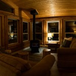Cozy log lodge with fireplace in Golden, British Columbia